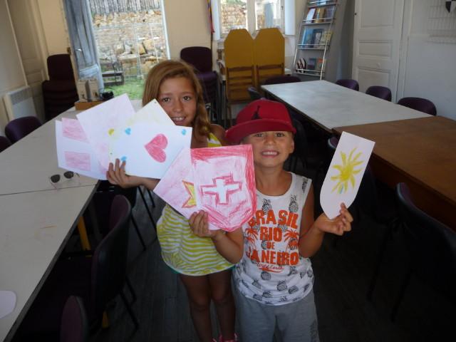 Brio2308FC3 Louis et Léa fiers de leurs blasons_1