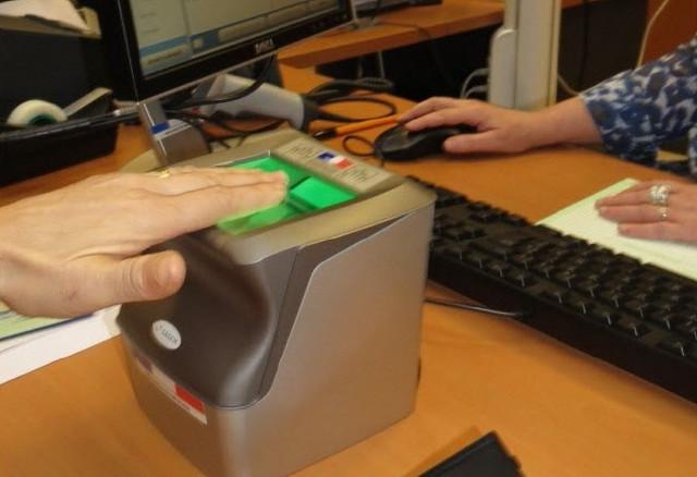 seules-les-26-mairies-equipees-de-bornes-biometriques-pourront-delivrer-des-cartes-d-identite-photo-d-archives-geoffrey-fleury-1486156299_1