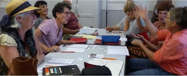 les-ateliers-se-deroulent-dans-une-ambiance-ludique-et-joyeuse-photo-fabienne-croze-1505317055_1_1
