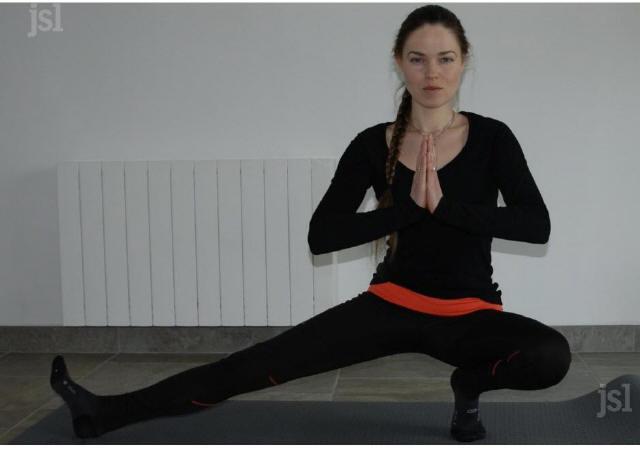 daria-propose-des-seances-de-yoga-pour-debutants-photo-fabienne-croze-1522768628_1